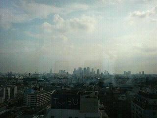 メトロポリタンプラザ・オフィスタワー@池袋から、新宿の摩天楼・高層ビル群を望む